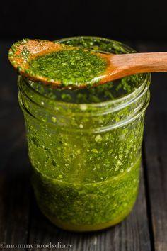Mojo de Cilantro – Fácil y delicioso! Esta salsa va bien con todo. Esta receta de mojo de cilantro es fantástica. Va bien no solo sobre carne, sino sobre cualquier cosa. La mezcla acida del …