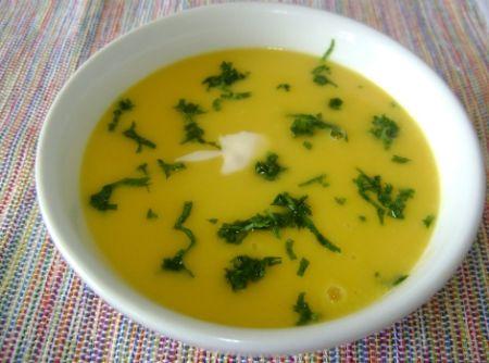 sopa creme de mandioquinha com m�sculo - Veja mais em: http://www.cybercook.com.br/receita-de-sopa-creme-de-mandioquinha-com-musculo.html?codigo=106222