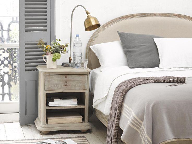 Avril bedside table