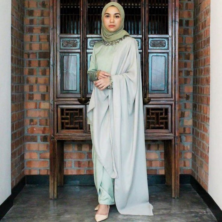 @sqistinashah continues to wow us with her style! (Featured: @adila_long Elnaz kurung, RM780) #shopat22 #twenty2raya