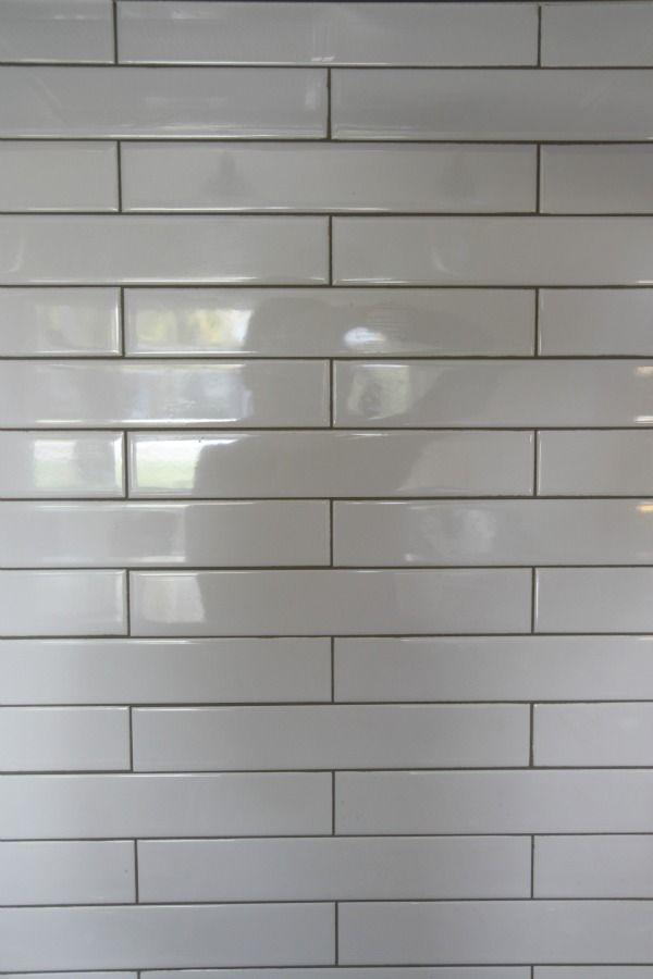 2x12 White Subway Tile With Light Grey Grout Backsplash 600