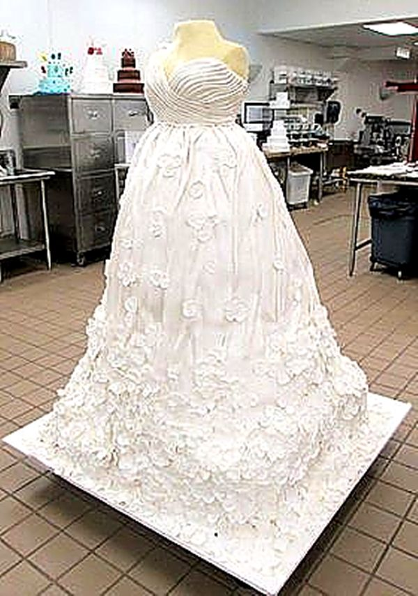 how much do wedding cakes weigh cake wedding cakes cake wedding dress 15466