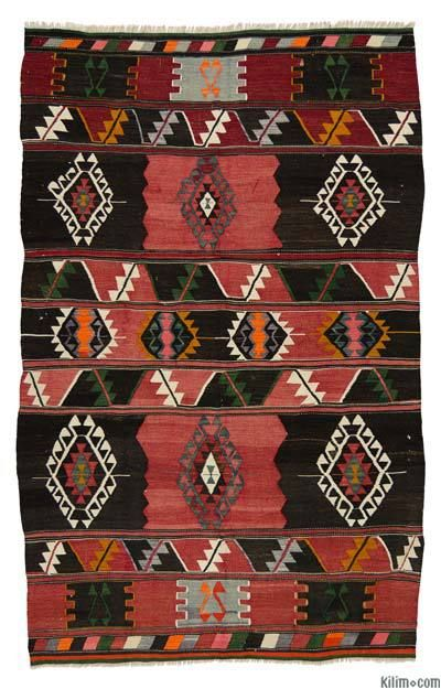 Vintage Balikesir Kilim Rug around 40 years old and in very good condition.