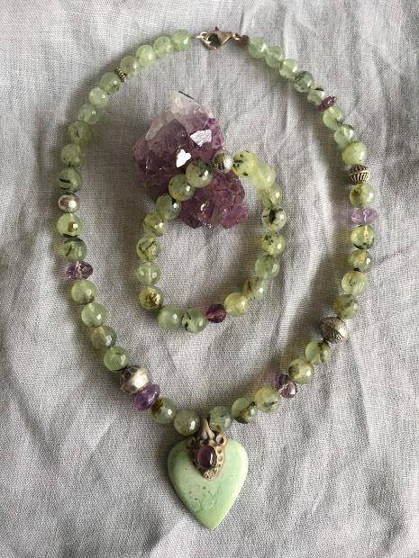 Necklace and bracelet in rutil quars