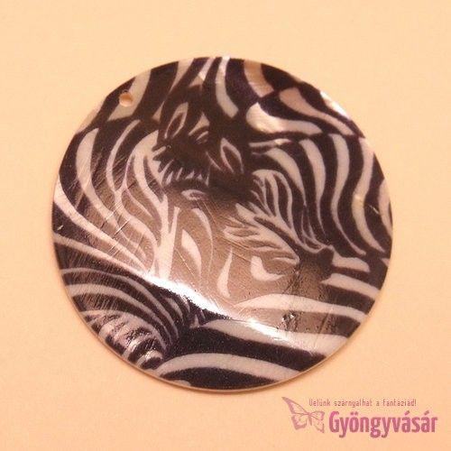 Zebra mintás medál - kagylógyöngy • Gyöngyvásár.hu