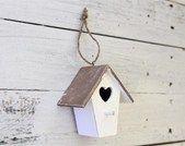 Simpatica casetta per uccellino. Un'idea originale di bomboniera  per battesimo o comunione.