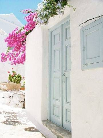 sea breeze blue Reminiscent of the cool blue tones of the Mediterranean Sea, this understated paint color will instantly transform the everyday entry.