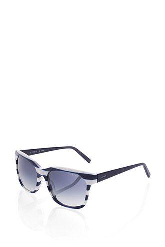 Passform:  - für ovale, runde, eckige und herzförmige Gesichter geeignet  Grösseninfo:  - Breite vorne ca. 13,2 cm - Bügellänge ca. 13,5 cm  Details:  - die Gläser mit Farbverlauf in der Filter-Kategorie 3 bieten optimalen UV-Schutz bei hellem Sonnenlicht - ein ESPRIT Etui in Canvas-Optik inklusive Brillenputztuch wird mitgeliefert