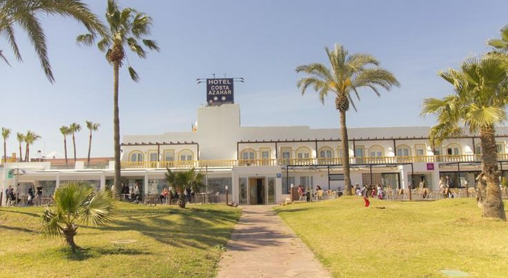 Hotel Costa Azahar Grao de Castellón Enjoying one of the best settings in the province of Castellón, this hotel is the ideal place to relax in peace beside the fine sandy beaches of the Costa Azahar.