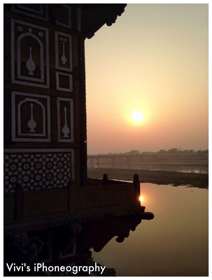 Sunset at Yamuna River - Itimad-ud-Daulah, Agra, India. Copyrights Vivi Kembang Tanjoeng.
