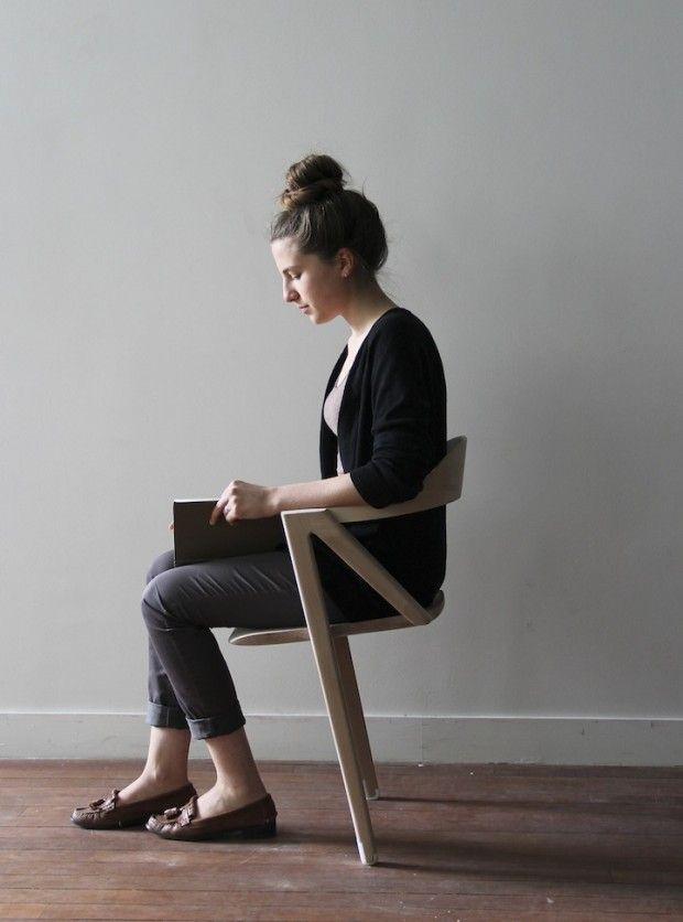 Benoit Malta, jeune designer fraichement diplômé de l'École Boulle, a créé Inactivité, une chaise à deux pieds. Le but de ce projet est d'éviter autant que possible les postures fixes et de promouvoir la mobilité.  Sa volonté est de mettre en place un « malaise supportable » pour notre bien-être. Il a décidé de travailler sur différentes situations typiques que l'on rencontre à la maison, dont celle de la posture assise et dans laquelle il serait intéressant d'insérer l'activité physique.