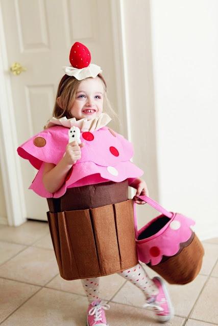 66 best images about deguisement enfant on pinterest sissi patron robe and halloween. Black Bedroom Furniture Sets. Home Design Ideas
