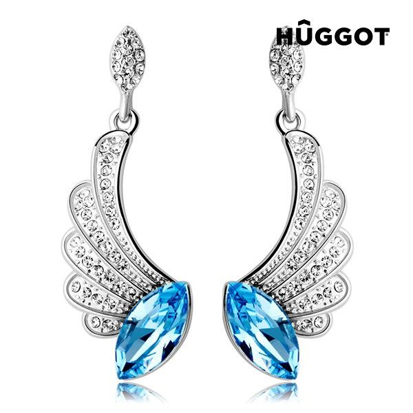 We present the Hûggot Angel Rhodium-Plated Earrings with Zircons Created with Swarovski®Crystals from the new collection of Hûggot jewelry!