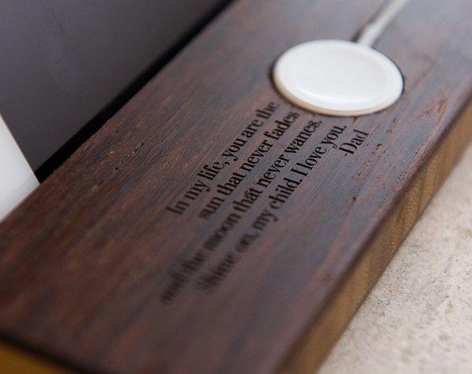 Docking estación Apple Watch muelle todos los iPhones iWatch soporte madre padre hijo hija regalo personalizado teléfono citas madera carga