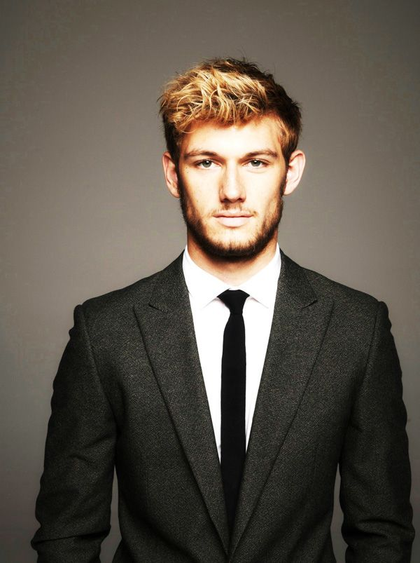 6. Alex Pettyfer – Hottest British Male Stripper