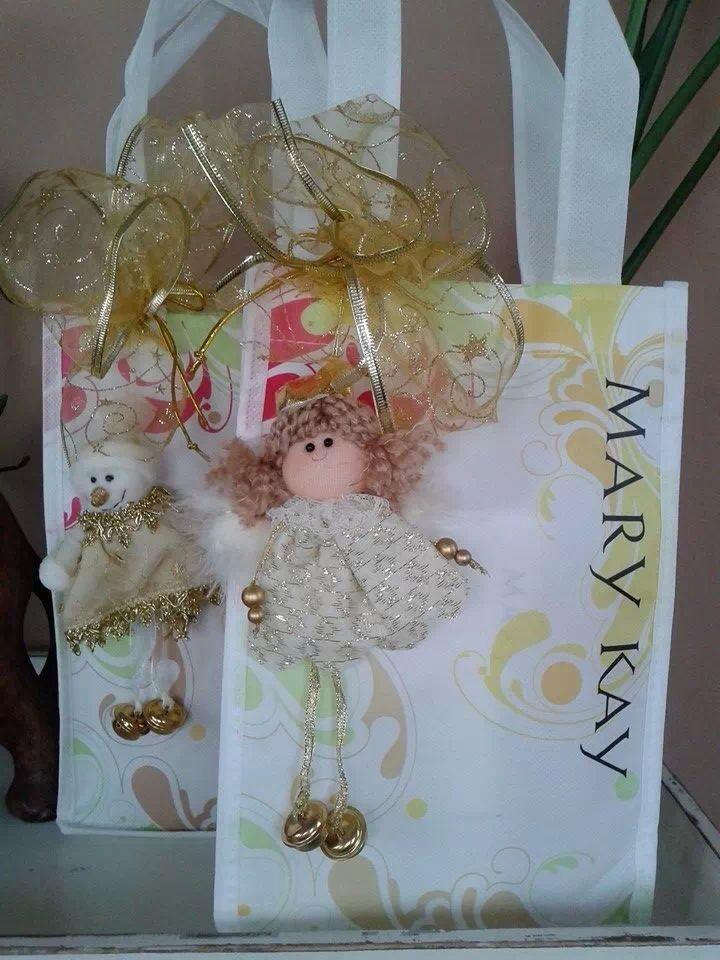 El mejor regalo!! Set manos de seda de melocoton o vainilla!! www.bellezacompartida.com