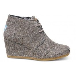 TOMS Herringbone Desert Wedge // with a sweater dress and tights for a perfect fall outfit