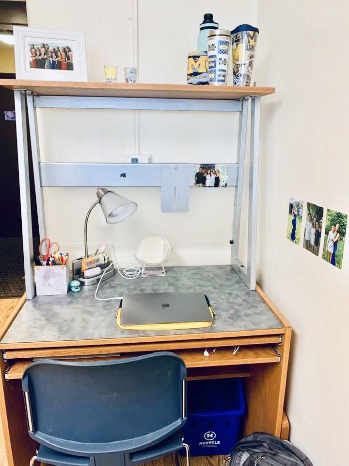 Desk Organization Ideas For College Dorm Rooms Small Dorm Room Small Dorm Dorm Rooms