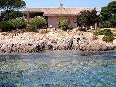 Villa direkt am Meer Sardinien: wunderbare Familienpension an der Nord-Ost-Küste Sardiniens mit einer eimzigartigen Lage, Meerblick direkt am Strand gelegen