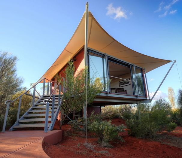 www.longitude131.com.au Welcome to Longitude 131° the luxury tented retreat offering immersion in the Australian outback in the purest sense. World Heritage listed wilderness of Uluru-Kata Tjuta National Park