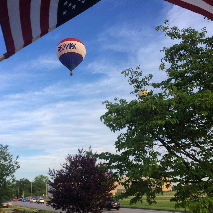 #latergram from yesterday's #kentuckyderbyfestival balloon race. This view from our front porch could be a @remax ad!