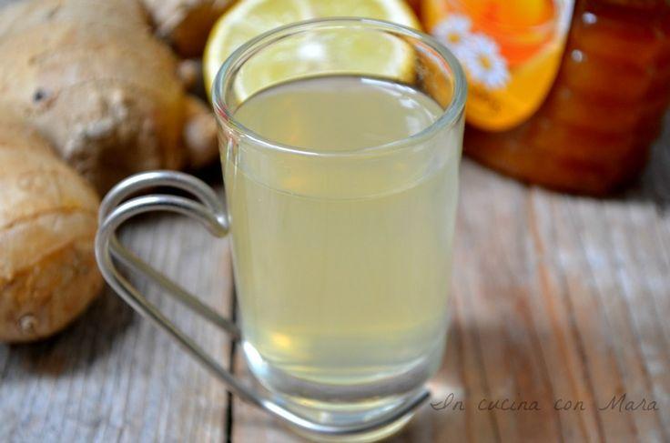 La tisana allo zenzero e limone è la tendenza del momento in fatto di bevande depurative ma ha anche notevoli proprietà curative e dimagranti.