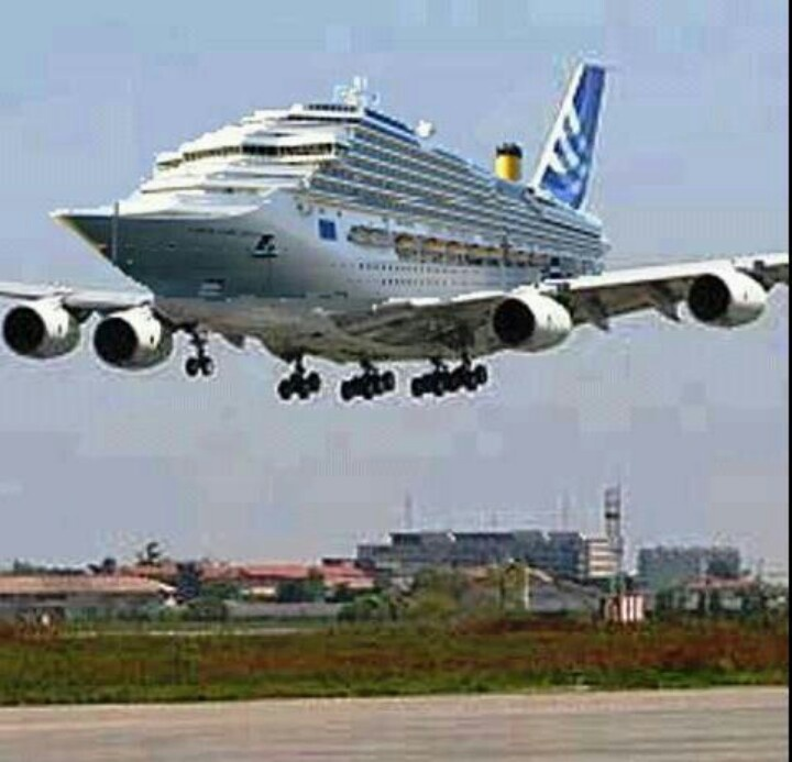 Flying Ship Vliegsensatie Pinterest Ships And Humor - Flying cruise ship