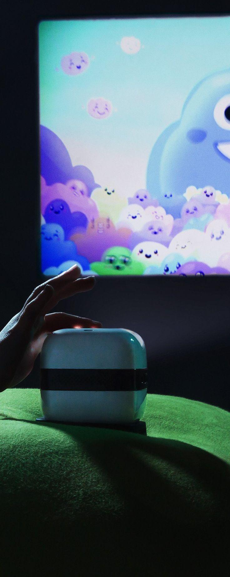 Cinemood: Handheld Cinema Projector