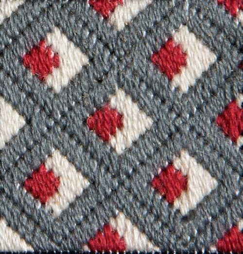 Ponto 74 - Olhos Direito bargello needlepoint .like the pattern and color choice