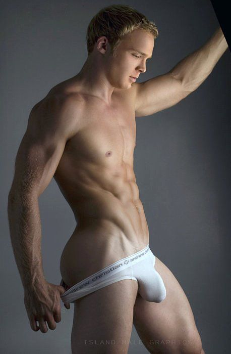 Manplay the Internet s hottest gay dating site for sexy men;