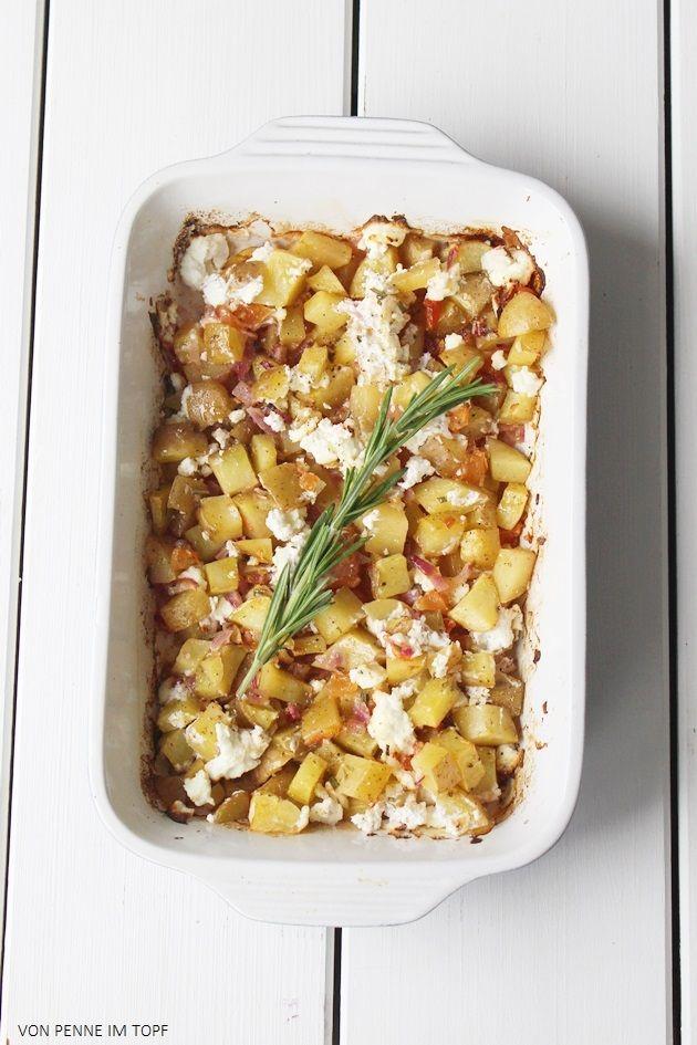 Kartoffeln und rote Zwiebeln in Weißwein (Penne im Topf)