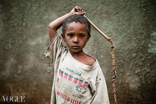 Ethiopian kid #PhotoVogue #sowirewasthere #sowirephotography #sowirestudio Photo by Lucio Patone