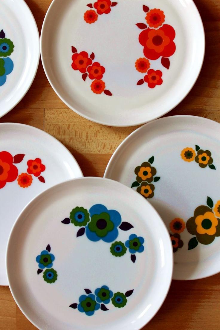 table rabattable cuisine paris service de table arcopal. Black Bedroom Furniture Sets. Home Design Ideas