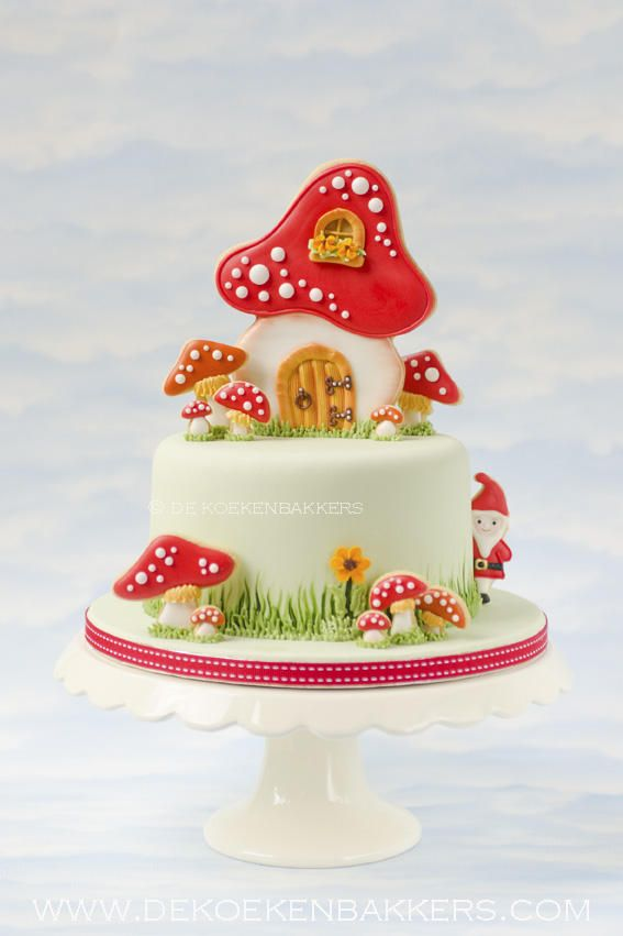 Toadstool cake decorated with cookies | Cookie Connection