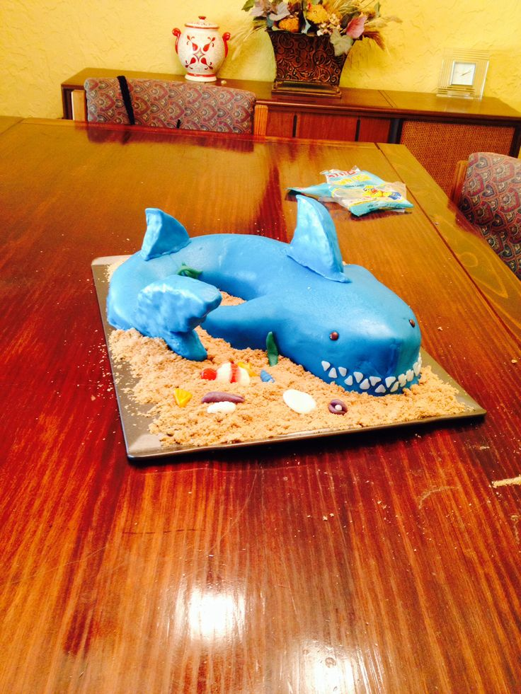 Cake Decorating Ideas Shark : Shark Cake Cake decorating Pinterest Sharks, Shark ...