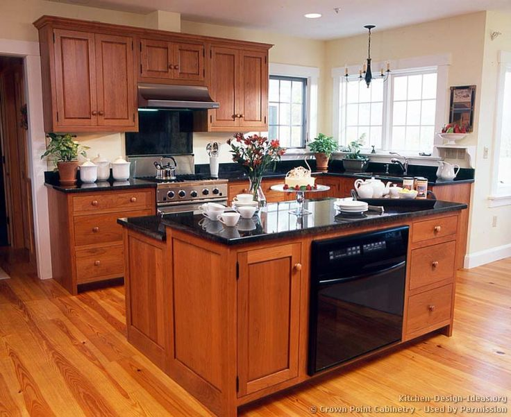 Good #Kitchen Idea Of The Day: Shaker Kitchens. (By Crown Point Cabinetry)