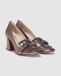 Zapatos de salón de mujer Gloria Ortiz  de piel en gris metalizado por 99,90€