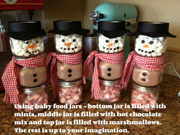 Hot Chocolate Snowmen jars..these are used with baby food jars..I think I would go with the small Mason Jars myself but aren't they adorable!!
