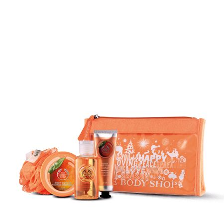 Make someone feel beautiful from head to toe this holiday -- with some of our favorite bath and body products. Filled with juicy satsuma scented treats, this sweet set makes for an ideal gift.