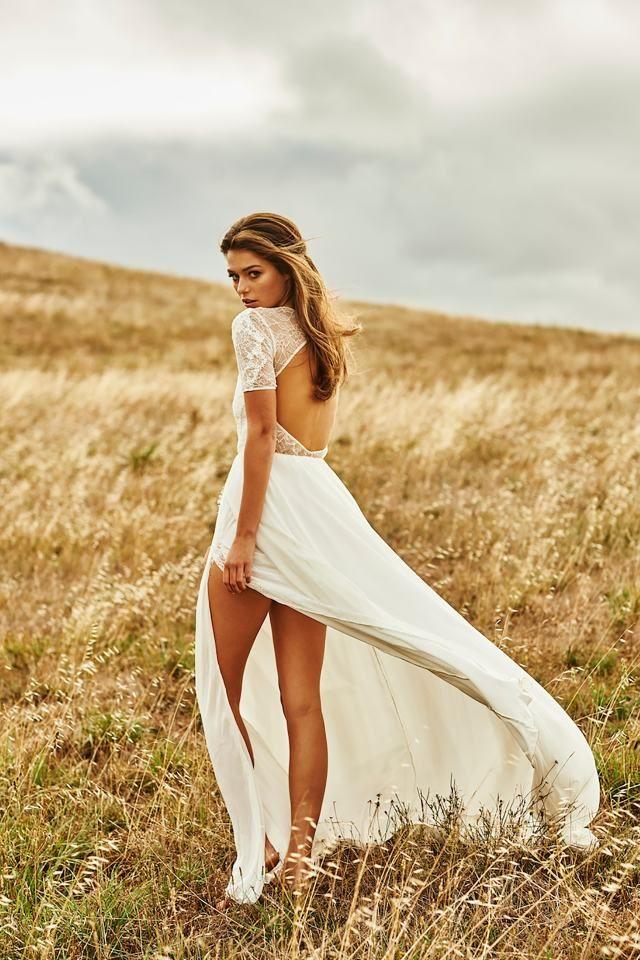 Een beetje sexyness op je trouwdag kan echt geen kwaad. Als jij je er comfy in voelt, dan zul je stralen!