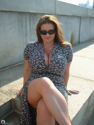 Milf with 58 inch hips