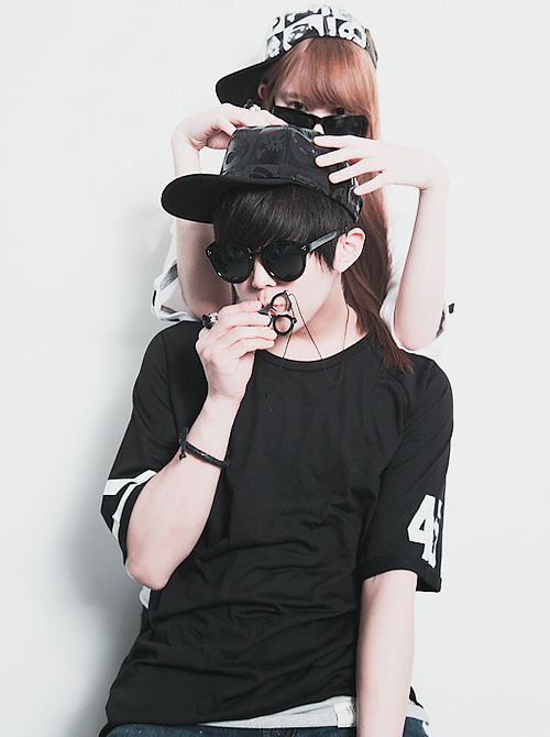 cute couple ulzzang ♥                                                                                                                                                                                 Mais