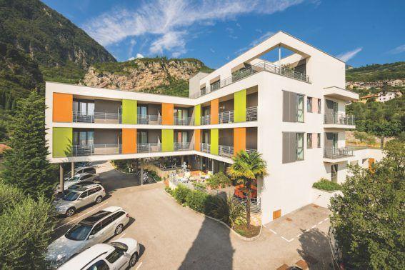 ★★★ Gardasee mit Kindern - und ein Hotel, das alle glücklich macht! Im Gioiosa gibt es Sport-Ausflüge, Wellness, Kinderspaß und tolle Menüs. Hier die Facts: