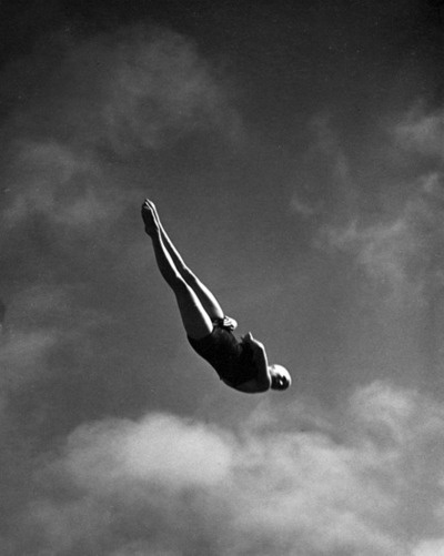 Best Jump Images On Pinterest Photography Art Photography - Minimalistic black white photo series captures energetic movements mid air