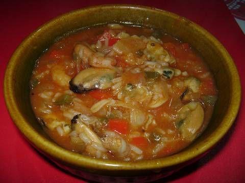 Fabulosa receta para Mariscos en salsa de tomate con arroz en olla de barro. Sabor galáctico  !!!