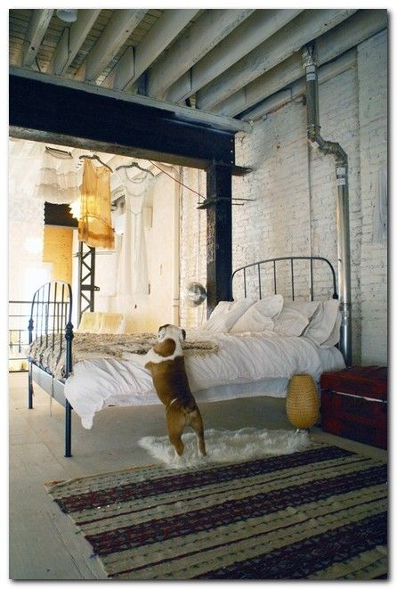 The 25+ best Industrial chic bedrooms ideas on Pinterest ...