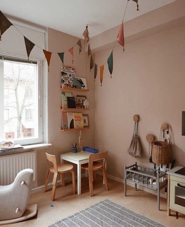 Wonderful Corners to Play http://petitandsmall.com/gorgeous-playcorners/