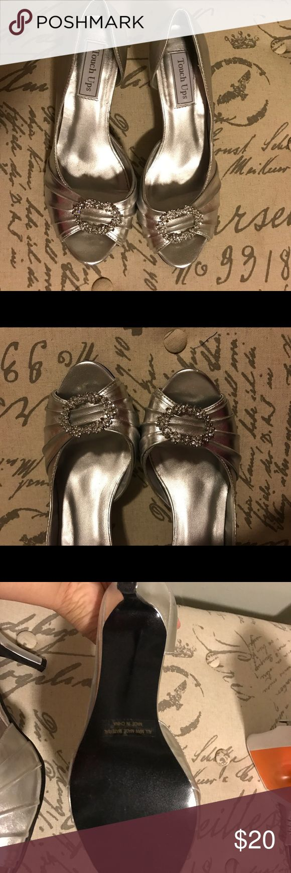 silver kitten heel dressy shoes Metallic silver. EUC. Wore once as bridesmaid to wedding Shoes Heels