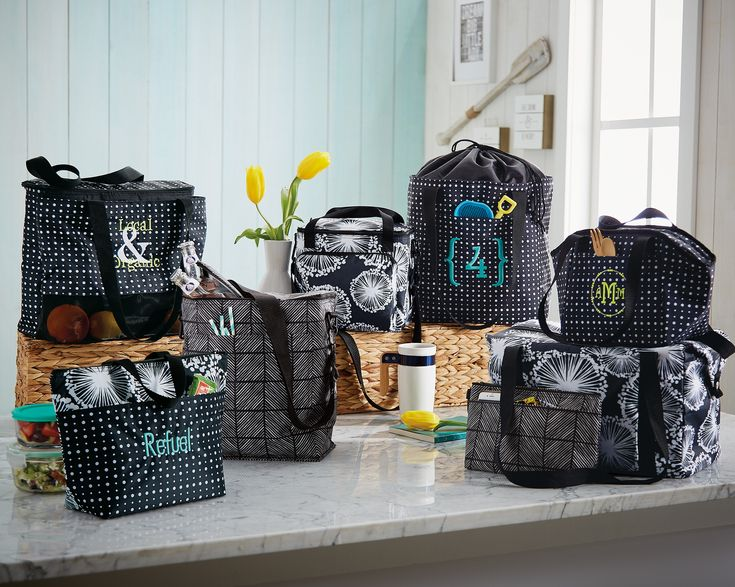 Check out Thirty-One's thermal section. Lunch bags and more! #thermal, #lunchbag, #lunchthermal, #tote, #personalize, #beachbag