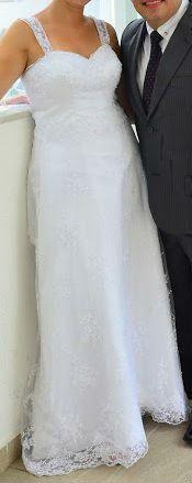 Vendo vestido de noiva, usado apenas uma vez, em fevereiro de 2015, lavado em lavanderia especializada logo após a utilização. Manequim 42/44 para altura entre 1,60 e 1,64.